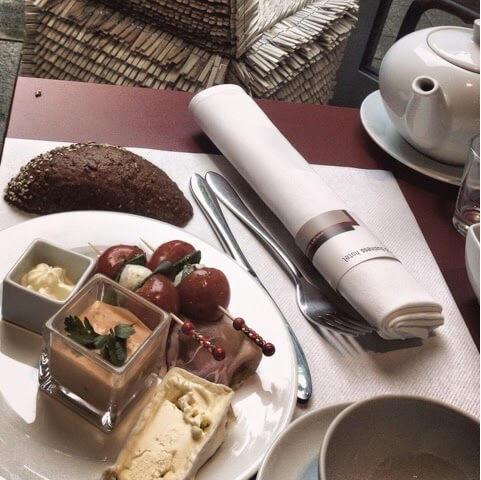 munih_gezilecek_yerler_kahvalti