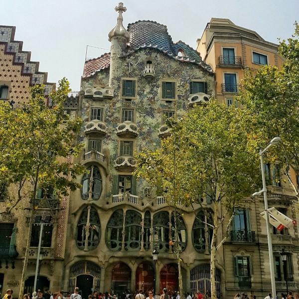 Barcelonada-gezilecek-yerler-gezenti-anne-05