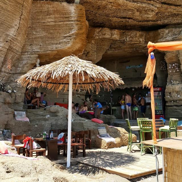 Rodos-adası-plajlar-gezentianne-13