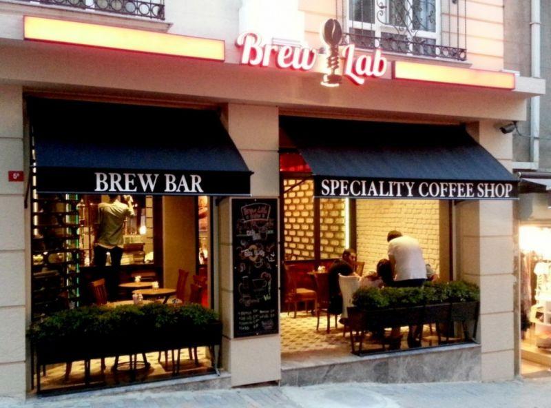 Taksim'de kahve içilecek mekanlar, Cafe Brew Lab Beyoğlu