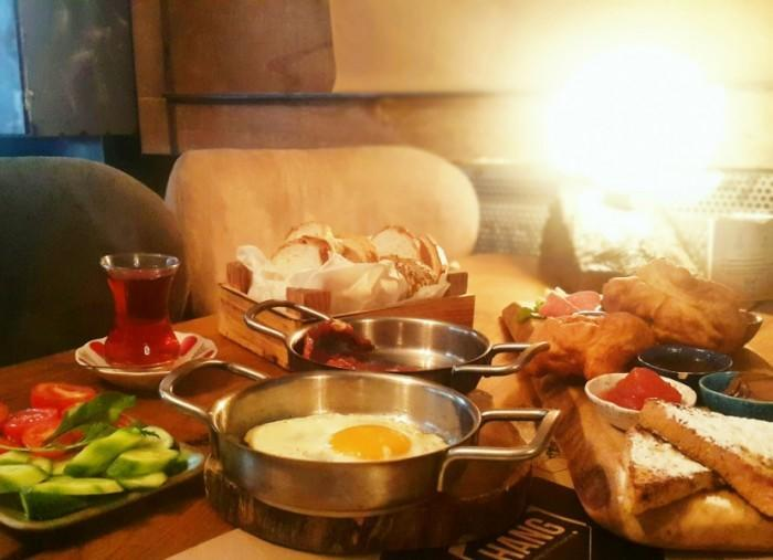 Kadıköy-kahvaltı-gezenti-anne-01