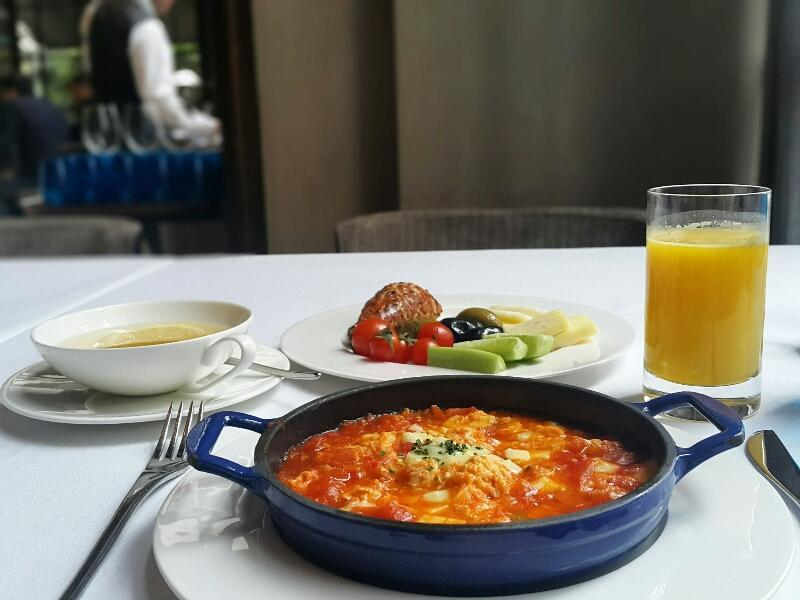 Karaköy-şık-kahvaltı-gezenti-anne-01
