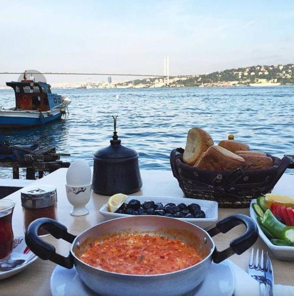 Boğaz'da Uygun Fiyatlı, Ekonomik Kahvaltı, Çengelköy Çınaraltı Aile Çay Bahçesi