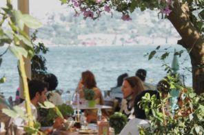 Kuruçeşme'de Bir İstanbul Klasiği, AŞŞK KAHVE