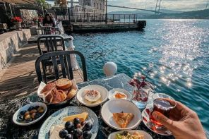 ELEGANT TURKISH BREAKFAST BY THE SEASIDE IN ORTAKOY ISTANBUL