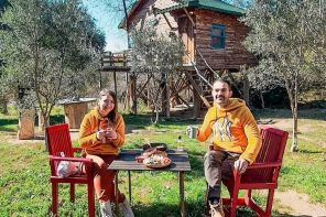 İzmir Torbalı'da Orman İçinde Ağaç Evler ve Ücretleri